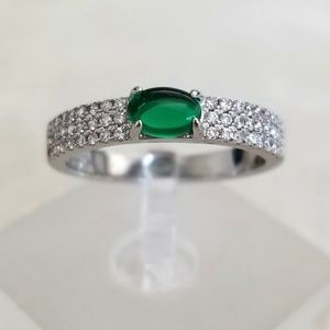 18k Green Pave Band